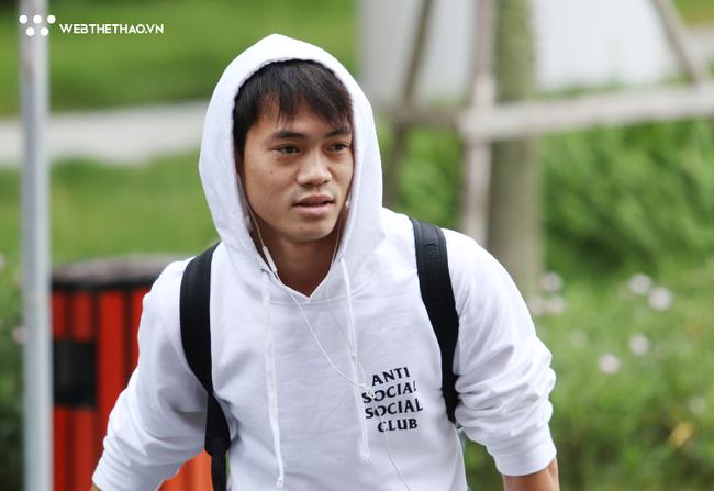 HLV Park Hang Seo, thủ môn Văn Lâm hội quân cùng đội tuyển Việt Nam chiều 11/10 - Ảnh 4.