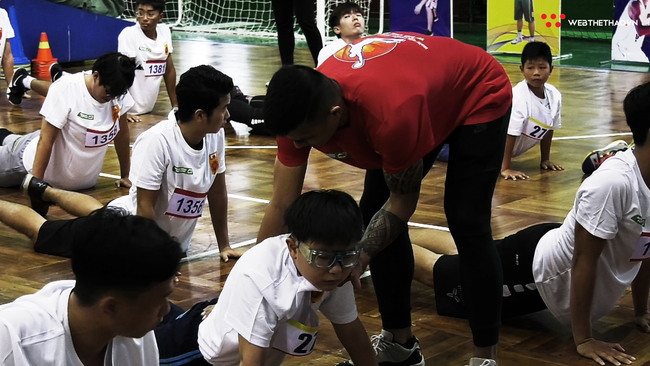Ngày hội tuyển chọn vận động viên bóng rổ TP HCM: Sao VBA tất bật truyền lửa cho thế hệ đàn em - Ảnh 6.