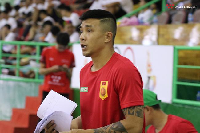 Ngày hội tuyển chọn vận động viên bóng rổ TP HCM: Sao VBA tất bật truyền lửa cho thế hệ đàn em - Ảnh 2.