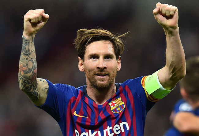 Cột dọc, xà ngang không ngăn nổi Messi lập kỳ tích 10 năm liên tiếp - Ảnh 1.