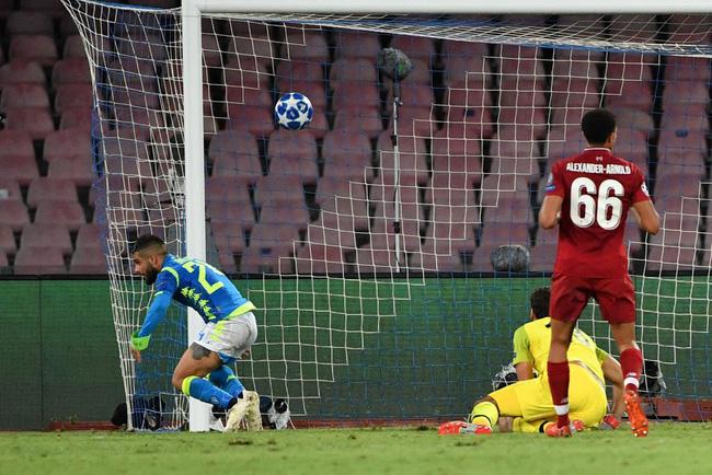 CĐV Liverpool chia sẻ tâm trạng khó tin về nguyên nhân chính dẫn tới trận thua Napoli - Ảnh 1.