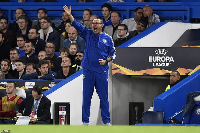 HLV Sarri nói gì khi chứng kiến Morata ghi bàn cảm xúc sau hiệp 1 thảm họa? - Ảnh 6.