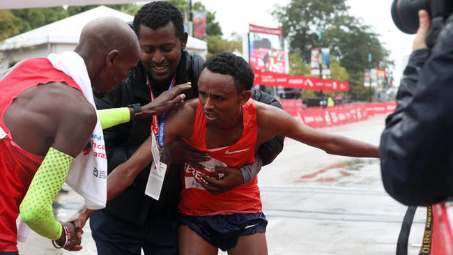 Sir Mo Farah lần đầu VĐ marathon với kỷ lục châu Âu ở Chicago - Ảnh 7.