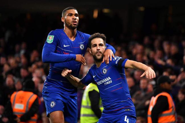 Cesc Fabregas sẽ phải cắt lương nếu muốn ở lại Chelsea - Ảnh 3.