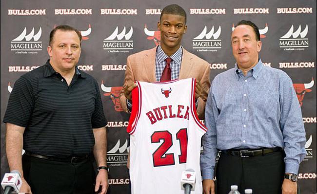 B? ?u?i kh?i nhà n?m 13 tu?i, ph?i lang thang kh?p n?i và con ???ng ??n NBA c?a siêu sao Jimmy Butler - ?nh 4.