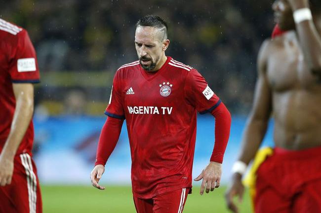Cay cú vì Bayern thua Dortmund, Ribery gi?n cá chém th?t tát th?ng m?t phóng viên ??ng h??ng quen bi?t - ?nh 1.