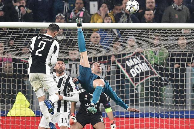Ronaldo đã phế truất ngôi Vương của Messi ở Champions League như thế nào? - Ảnh 5.