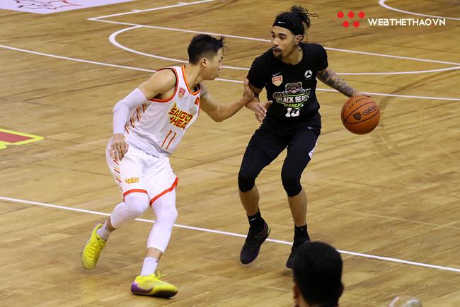 Trevon Hughes và Sang Đinh xuất sắc mang về chiến thắng nghẹt thở cho Saigon Heat trước Macau Black Bears - Ảnh 8.
