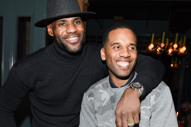LeBron James lên kế hoạch mua Cleveland Cavaliers - Ảnh 1.