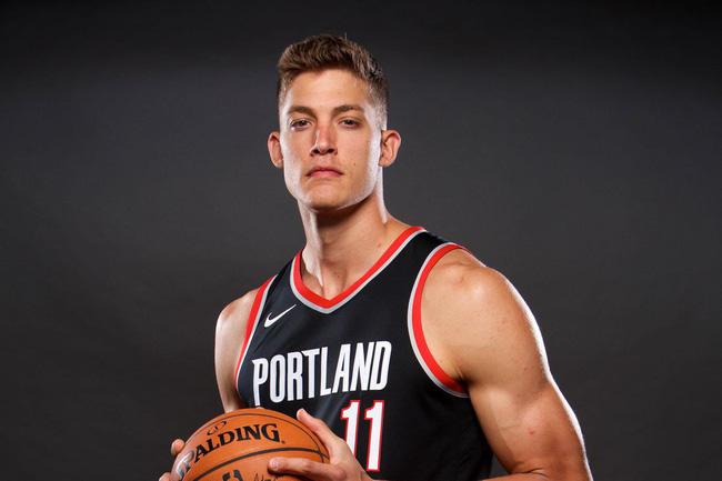 Nhìn 5 cầu thủ NBA này mới thấy chơi bóng rổ auto đẹp trai là có thật - Ảnh 6.