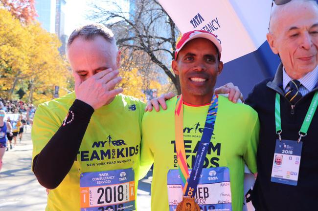 Chẳng cần Nike Vaporfly 4%, Keitany vẫn chiến thắng New York City Marathon vẻ vang - Ảnh 5.