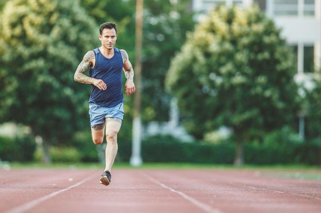 New York City Marathon: Đầu bếp, diễn viên nổi tiếng chạy nhanh không kém VĐV chuyên nghiệp - Ảnh 12.