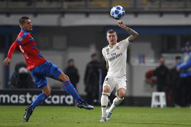 Cột mốc mới của Benzema - Bale, kỷ lục cho HLV Solari và top 5 điểm nhấn trận Viktoria Plzen - Real Madrid - Ảnh 4.