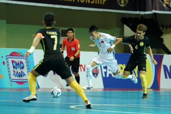 Futsal Việt Nam lại ngậm trái đắng trước Malaysia ở bán kết - Ảnh 1.
