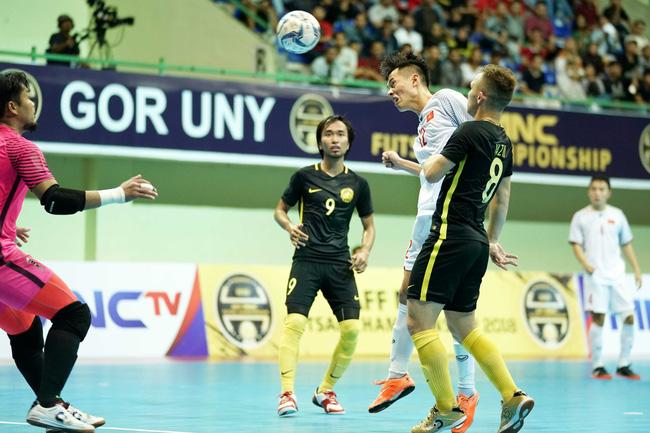 Futsal Việt Nam lại ngậm trái đắng trước Malaysia ở bán kết - Ảnh 7.