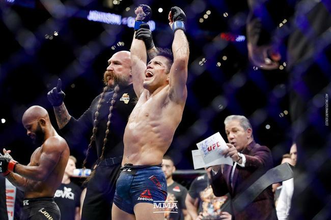 Henry Cejudo đụng độ T.J. Dillashaw: Tia sáng cuối cùng cho hạng cân Flyweight UFC? - Ảnh 3.