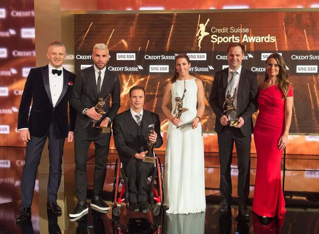 Roger Federer nằm trong danh sách đề cử cho giải VĐV xuất sắc nhất năm - Ảnh 1.