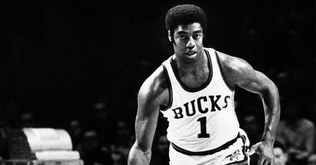 Ai là cầu thủ ghi điểm nhiều nhất NBA trong ngày Giáng Sinh? - Ảnh 5.