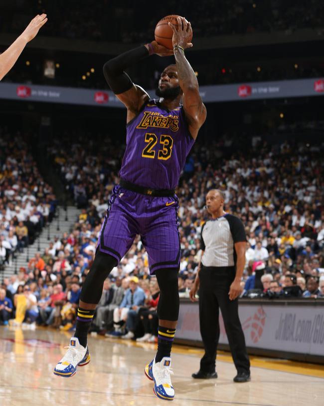 LeBron James thoát án phạt từ NBA sau sự cố với người Do Thái - Ảnh 1.