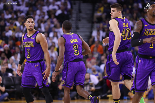 LeBron James muốn LA Lakers phải có thói quen như Golden State Warriors - Ảnh 1.