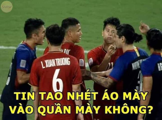 Ảnh chế chiến thắng của ĐT Việt Nam trước Phlippines tại bán kết lượt về AFF Cup 2018: Hoạ mi Phượng đã hót! - Ảnh 9.
