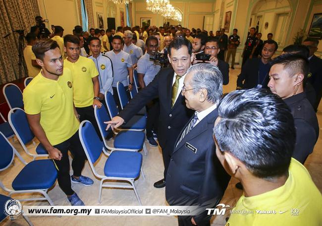 Thủ tướng Malaysia muốn đội nhà đánh bại Việt Nam cả 2 lượt trận chung kết - Ảnh 3.
