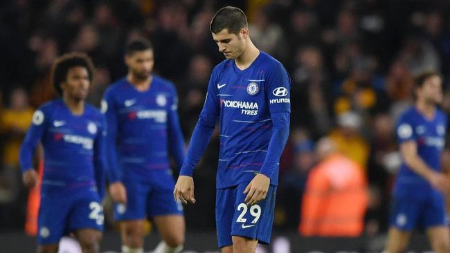 Hé lộ nghịch lý khiến Chelsea tụt lại phía sau Man City trong cuộc đua vô địch - Ảnh 1.