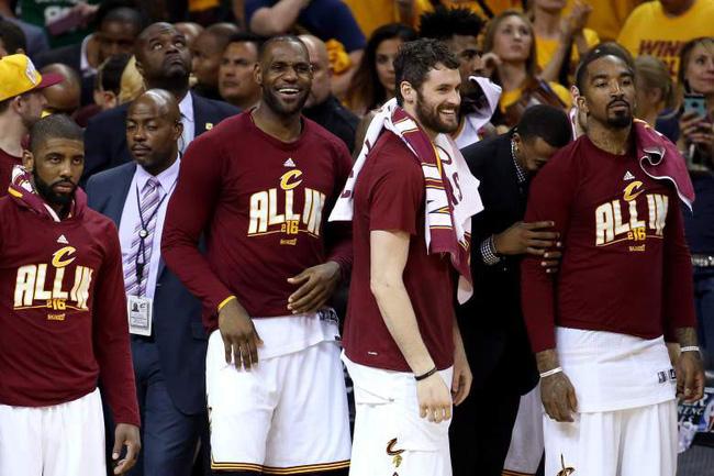 Bồi hồi nhìn lại, câu chuyện Cavaliers-Warriors đã kết thúc thật rồi - Ảnh 4.