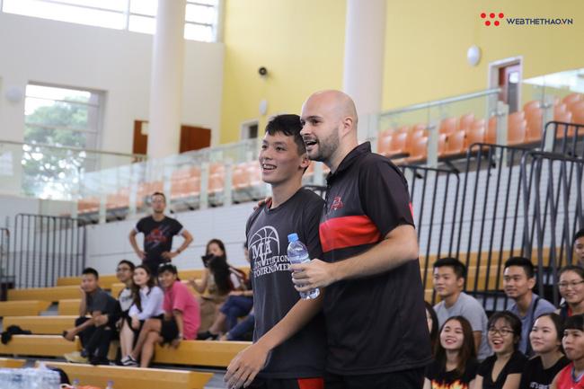 Thi ném 3 điểm với chàng trai sinh viên RMIT, suýt chút nữa Tô Quang Trung đã mất mấy chục ly trà sữa - Ảnh 1.