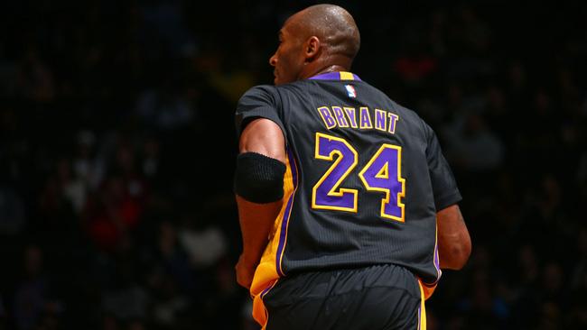 Cạn lời với món quà sinh nhật kịch độc mà vợ đã tặng cho Kobe Bryant - Ảnh 2.