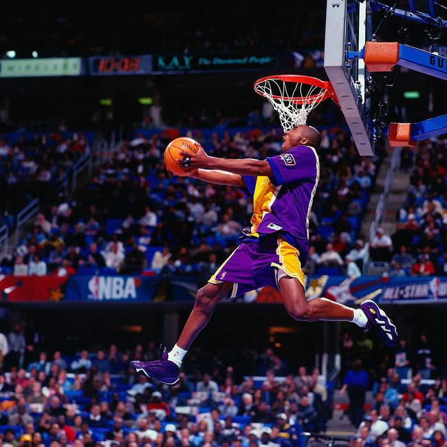 Nhìn lại những mẫu giày quan trọng nhất trong sự nghiệp của Kobe Bryant - Ảnh 2.