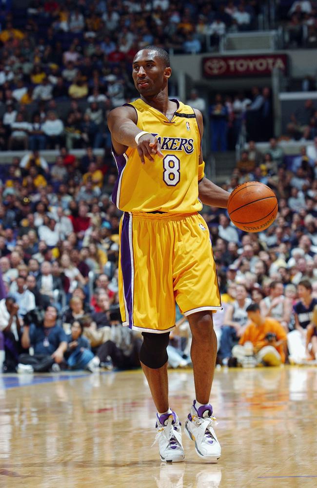 Nhìn lại những mẫu giày quan trọng nhất trong sự nghiệp của Kobe Bryant - Ảnh 5.