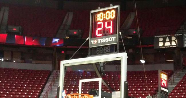 NBA đổi luật, bao gồm việc chỉnh đồng hồ tấn công 14 giây - Ảnh 1.