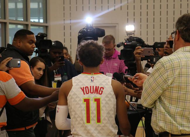 Bộ ảnh NBA Media Day: Người cũ, đội mới và một mùa giải NBA đầy hấp dẫn - Ảnh 1.