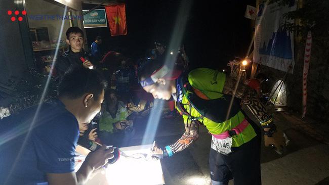 24 tiếng trải nghiệm sống sót 100km vượt núi rừng tại Vietnam Mountain Marathon 2018  - Ảnh 10.