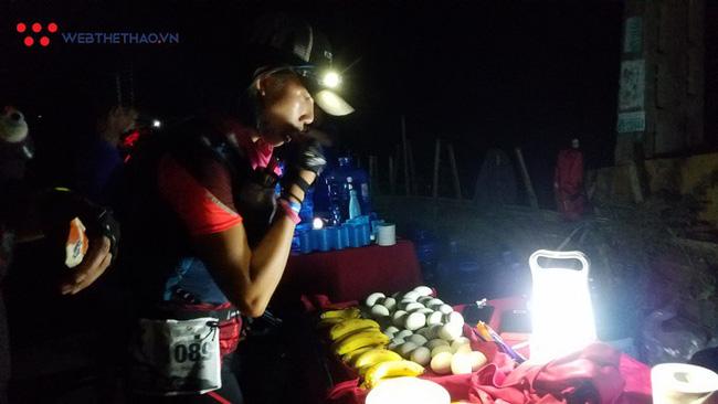 24 tiếng trải nghiệm sống sót 100km vượt núi rừng tại Vietnam Mountain Marathon 2018  - Ảnh 16.