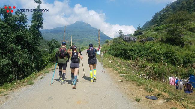 24 tiếng trải nghiệm sống sót 100km vượt núi rừng tại Vietnam Mountain Marathon 2018  - Ảnh 33.