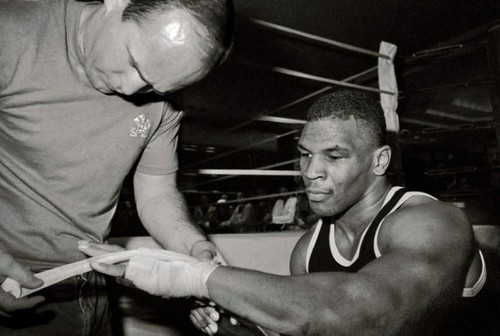 mike tyson kevin rooney