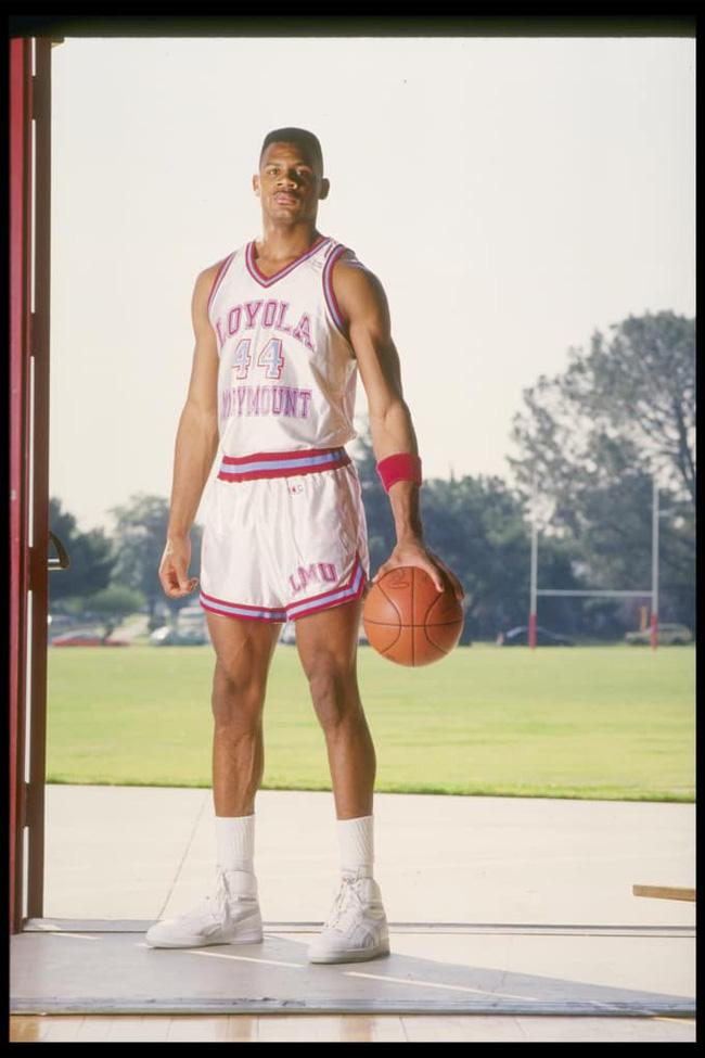 5 cầu thủ bóng rổ tài năng nhất chưa từng thi đấu ở NBA - Ảnh 1.