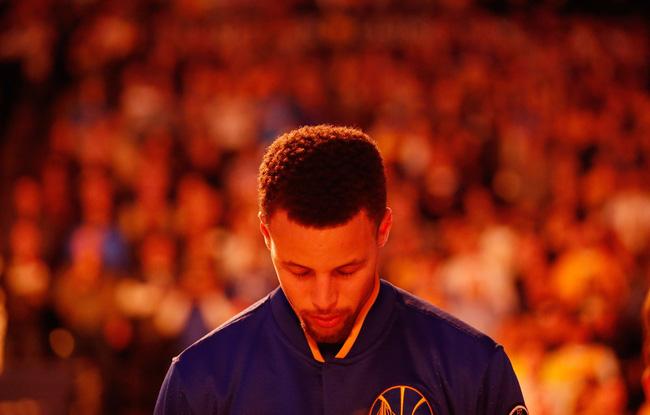 Những huyền thoại mà Stephen Curry sẽ vượt qua nếu tiếp tục hủy diệt NBA mùa tới - Ảnh 2.