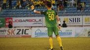 Pha phá bóng hỏng của Bùi Tiến Dũng khiến FLC Thanh Hóa thủng lưới tại chung kết Cúp QG 2018