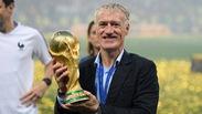 Didier Deschamps nói gì với ĐT Pháp trong giờ nghỉ trận chung kết World Cup 2018?