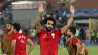 Chiêm ngưỡng siêu phẩm đá phạt góc thành bàn của Salah trước khi rời sân vì chấn thương