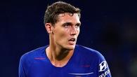 """Trước đòi hỏi """"hoặc ra sân nhiều hoặc chia tay Chelsea"""" của cha Christensen, HLV Sarri cười khẩy bỏ qua"""