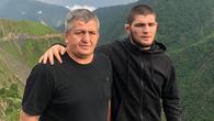 Cha Khabib chủ động dàn hòa, mời Conor McGregor đến Dagestan xem giải Vô địch Sambo Thế giới