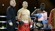 Giới võ Trung Quốc lại xôn xao khi cao thủ Thiếu Lâm đánh bại nhà vô địch Quyền Anh... dỏm