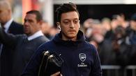 Đây là lý do Mesut Ozil bị HLV Emery gạt ra khỏi đội hình đấu Bournemouth?