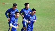 """Chinh """"?en"""", D?ng """"chip"""" mua t?t c?a """"d? nhân ph?i"""" tr??c khi sang Lào d? AFF Cup"""