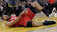 Để thắng được Golden State, đội đầu bảng Toronto Raptors đã phải trả giá cực đắt với chấn thương của trụ cột
