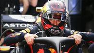 """""""Trẻ trâu"""" Max Verstappen quậy khiến cả lãnh đội Red Bull phát ớn"""